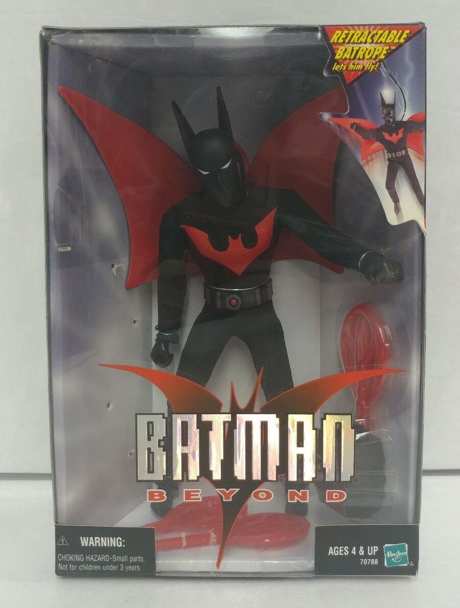 Batman Beyond 9  Poseable Figure w  Retractable Batrope & Batarang Hasbro 1999