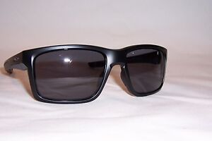 ecbfd54ce8 New Oakley Sunglasses MAINLINK OO9264-01 MATTE BLACK  GREY AUTHENTIC ...
