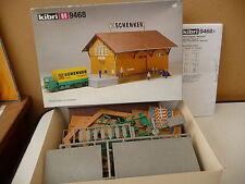 KIBRI  HO 9468 HANGAR A MARCHANDISE  état neuf en boite à construire