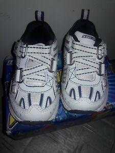 skechers shoes size 4