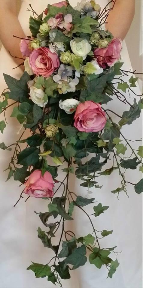VINTAGE Brides en cascade Mariage Bouquet Rose Hydrangea Ivy Ranunculus soie