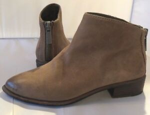 5785dfef8 DOLCE VITA 7.5 Booties Boots Brown Leather Pebble Back Zipper ...