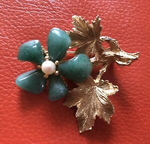 Vintage-CIRO-Flower-Pin-Brooch-Green-Stones-for-Flowers-Approx-2-x-2-Gold-Tone