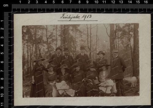 Foto-Stuttgart-Ausflug-Mann-Frau-Hut-Mode-Kinderwagen-Frühjahr-1913-18