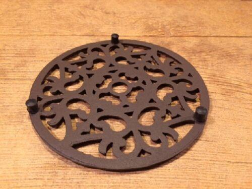 "Cast Iron Elaborate Designed Kitchen Counter Trivet 7 3//8/"" Round 0184-0164"