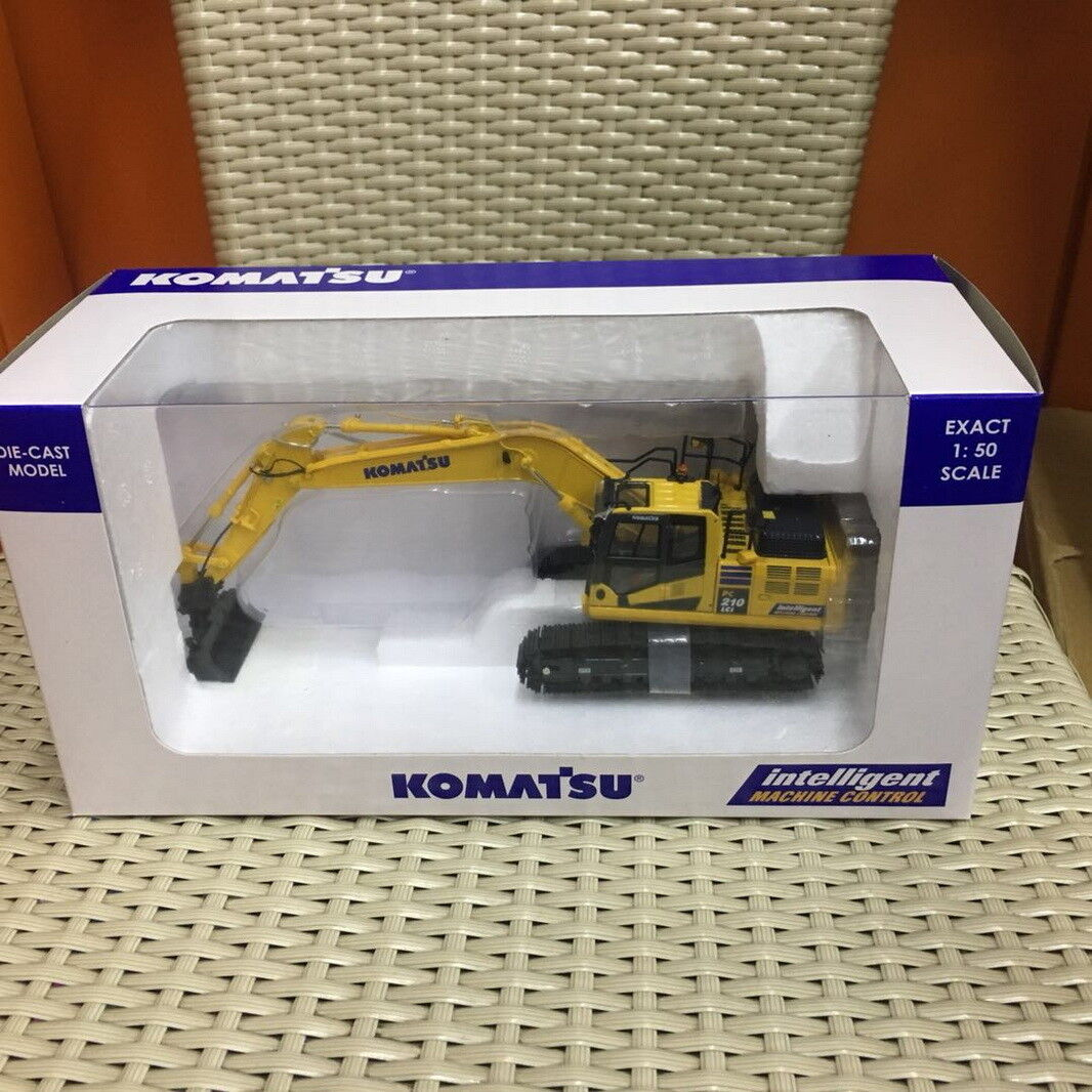 UH Universal Hobbies 1 50 Komatsu PC210LCi-11 Excavator DieCast Model UH8123