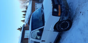 2008 gmc savana 2500 4.8l with safety
