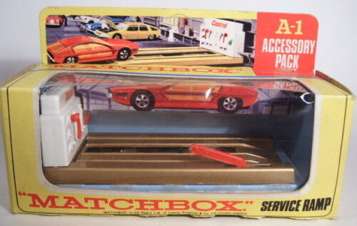 Matchbox Accessory Pack a1c Service ramp oro metalizado rare 1. gußform en Box