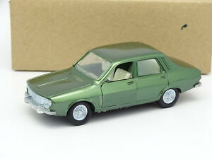 Sundbyberg-1-43-Renault-12-Verde