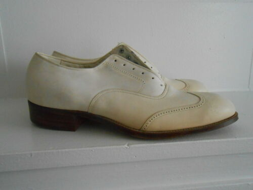 Vintage 30's 40's Spade Sole Wing Tip White Leathe