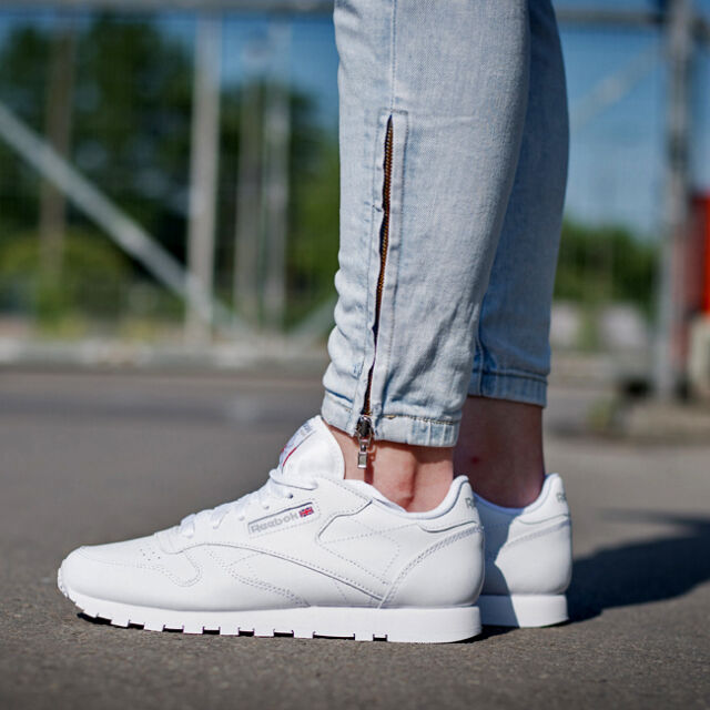 Reebok CL LTHR Shoes Unisex All White Leather Trainers Runner Retro ... 9e14bbbda267