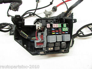 image is loading 2008-land-rover-lr2-relay-junction-fuse-box-