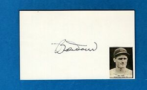BOBBY DOERR-BOSTON RED SOX  AUTOGRAPHED 3X5 CARD W/PHOTO-HOF-(d.2017)