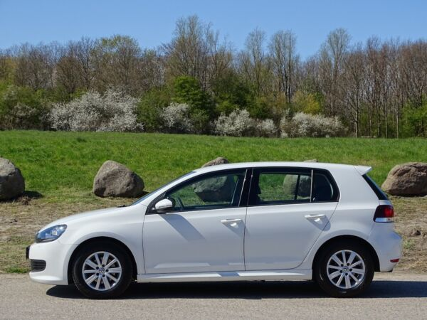 VW Golf VI 1,6 TDi 105 BlueMotion billede 1