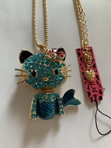 Lovely-Betsey-Johnson-Blue-amp-Rhinestone-Kitty-Cat-Mermaid-Necklace-BJ50901