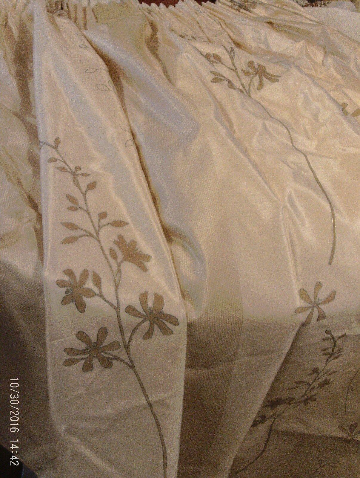 Dos pares de colección satén Look Largo Crema y oro Cortinas +4TIE tasell Forrado. nuevo