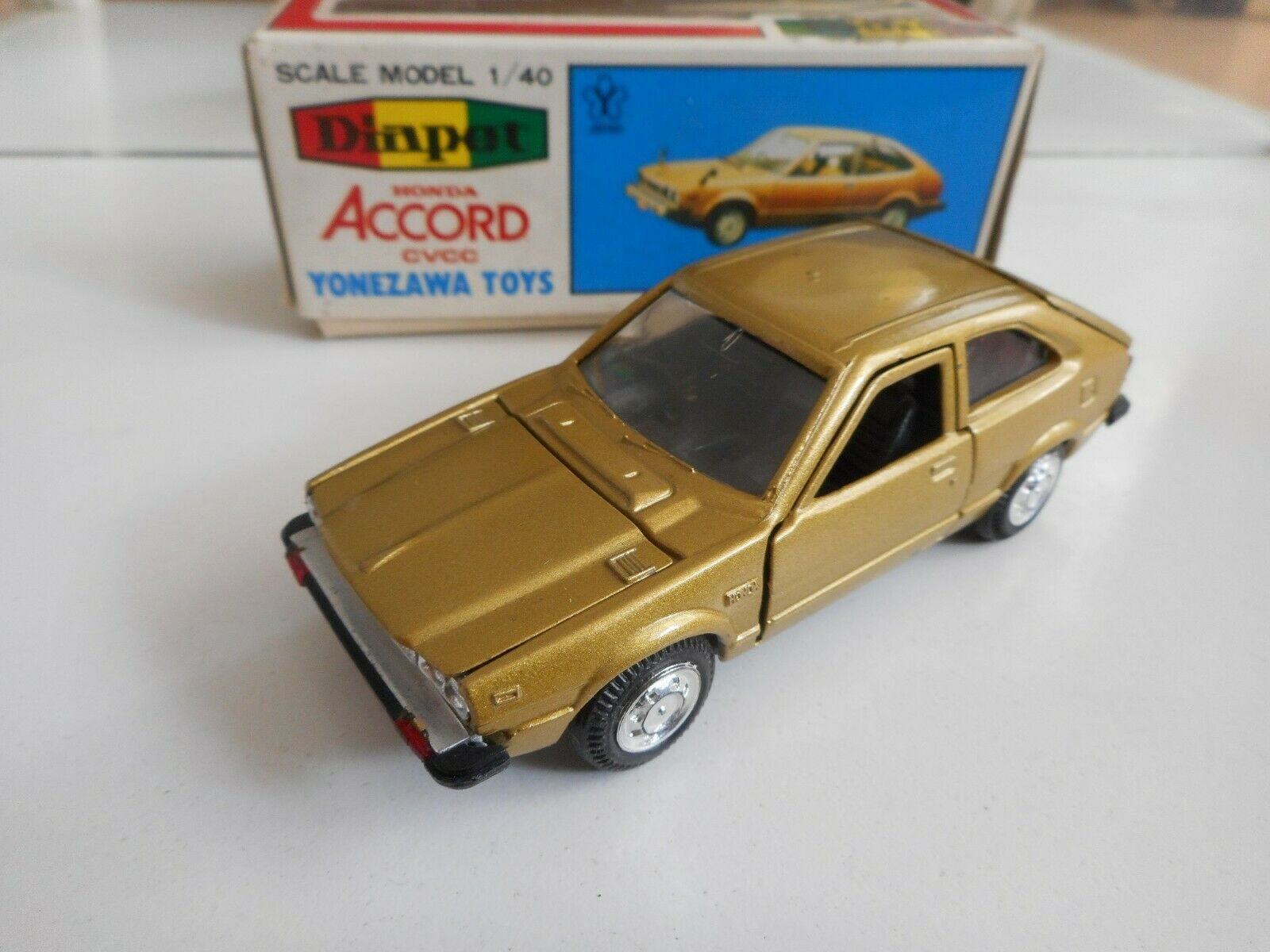 Yonezawa Toys Diapet Honda Accord CVCC EX in oro on 1 40 in Box