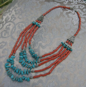 Sehr-schoene-mehrreihige-Kette-aus-NEPAL-Koralle-Tuerkis-Beads