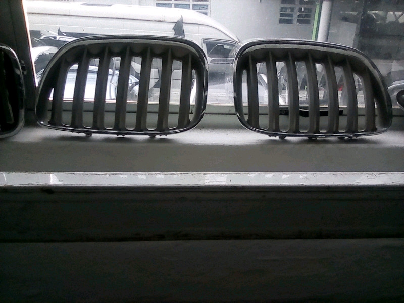 BMW X5 main grilles for sale