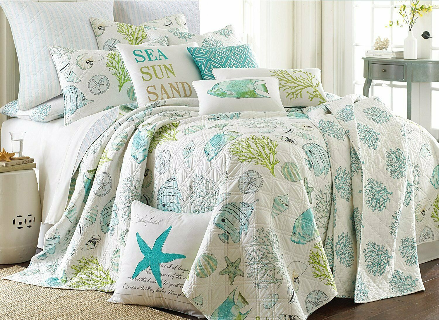 Biscayne Sea Life Fish Starfish Seashells King Quilt