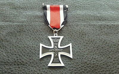 COMMEMORATIVE WWII WW1 GERMAN MILITARY IRON CROSS AWARD MEDAL