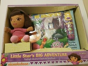 Dora-Explorer-Gift-set-Dora-Flashlight-Adventure-Book-New-in-Box