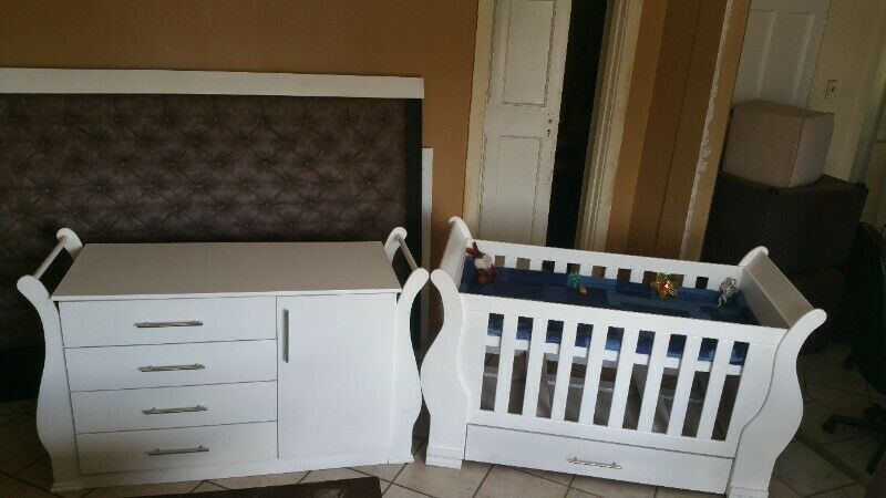 Sleigh Cot and Compactum Sur 02- R5500