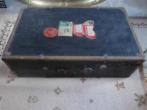 Edwardian (1901-1910) Imported From Abroad Lovely Vintage Steamer Trunk With Fittings/hangers & Labels Cunard Storage/table Moderate Cost