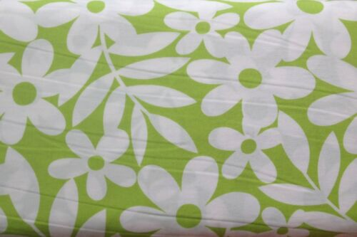 Lime 100/% Cotton Fabric 145cm wide 0.5 metre Daisy Print