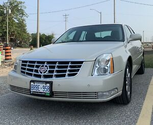 2011 Cadillac DTS mint condition Luxury II low km