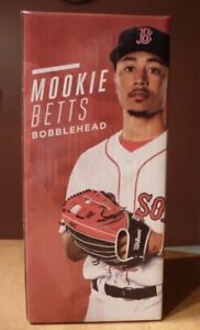 Mookie-Betts-Boston-Red-Sox-Gold-Glove-Silver-Slugger-Bobblehead