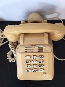 Vintage téléphone ancien 12 touches beige