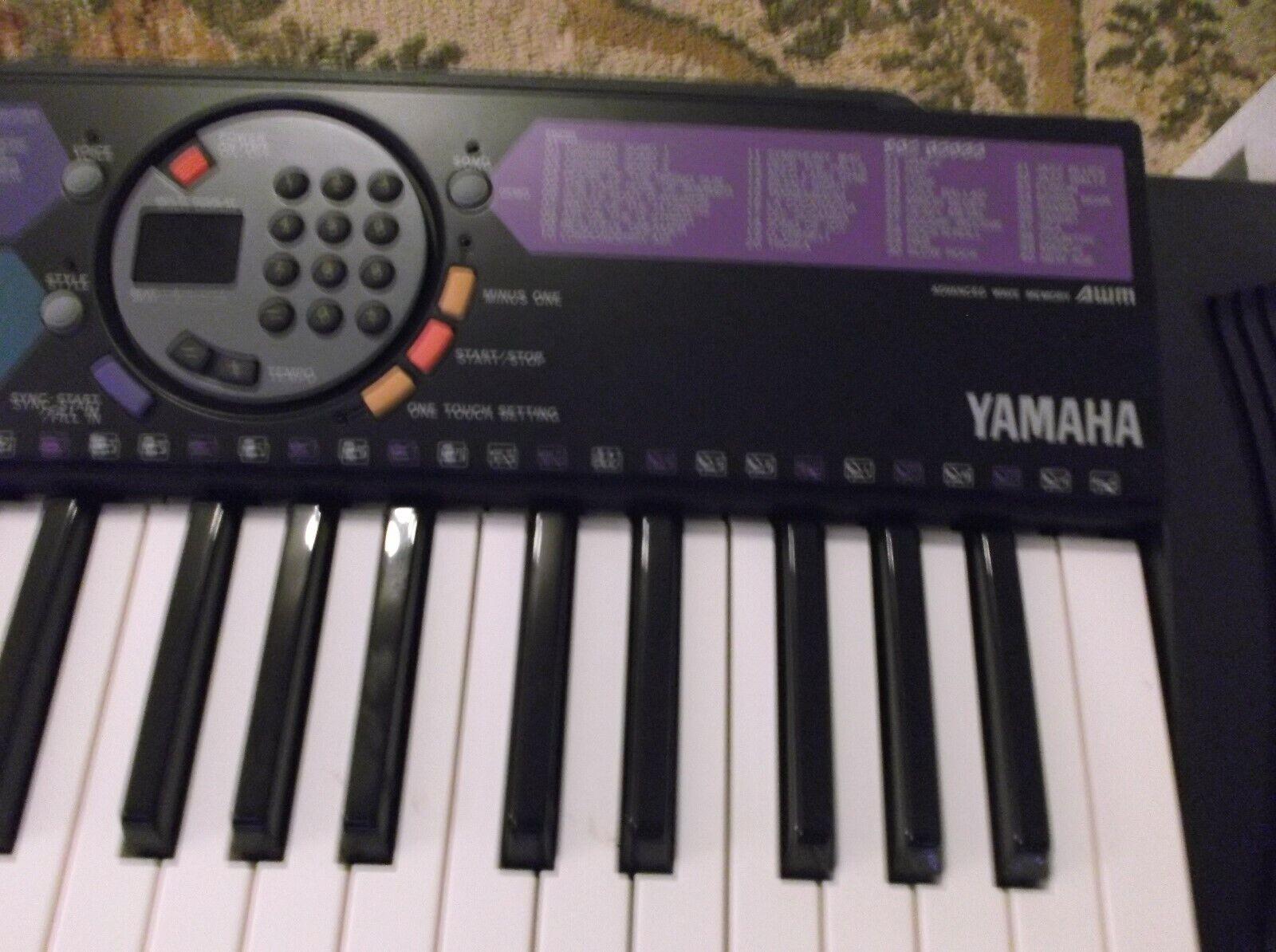 Kaum verwendete Yamaha Electronic Portatone Keyboard PSR -77 Vintage