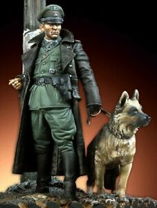 Scale-1-18-90mm-German-Officer-and-dog-Figure-Resin-model