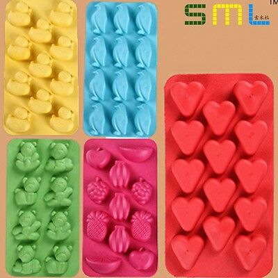 Cute Fun Robot Shape Style Ice Cube Silicone Mould Fun Tray Kids Party Wax Melt