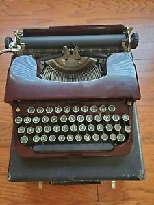 1930s Smith and Corona red maroon standard portable typewriter original case