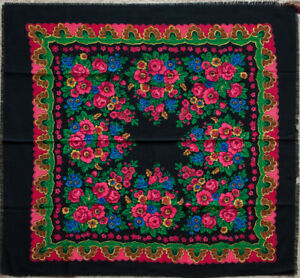 VINTAGE-Wool-scarf-Russian-Black-shawl-floral-chale-foulard-russe-Gift-for-her