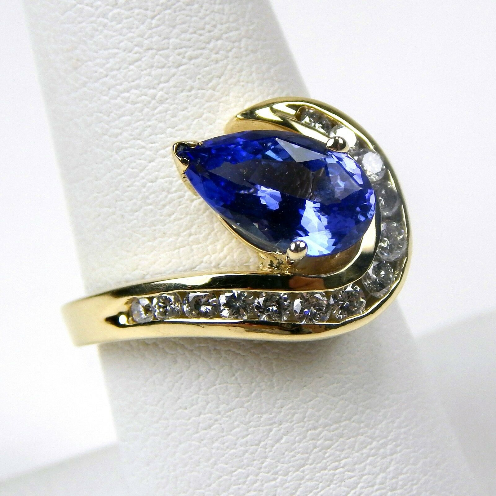 Pear Shape Faceted Tanzanite & Diamond Ring 14 kt Yellow gold Size 7 3 4  A3620