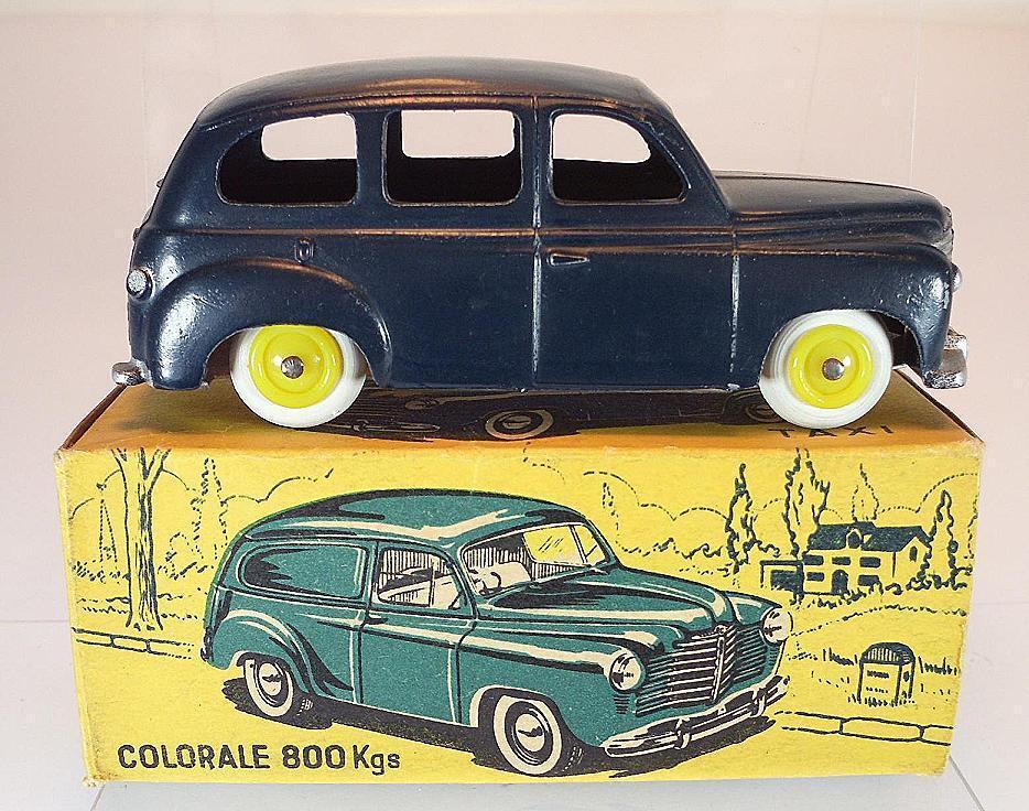 CIJ 1 43 No.3 42 Renault Prairie dunkelblau mit Box  5142