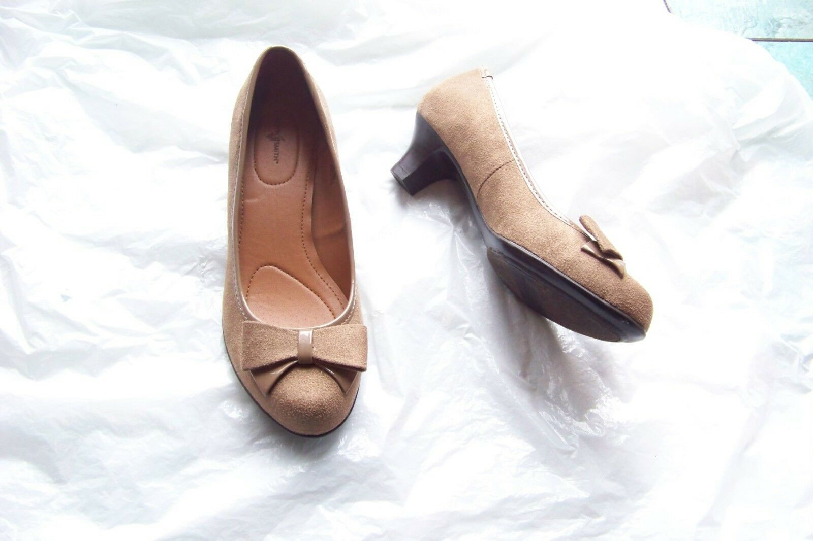 womens jaclyn smith bow adora taupe faux suede bow smith heels shoes size 6 8ce90c