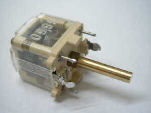 Folien-Drehkondensator-mit-4mm-Messingachse-21mm-Kondensator-CAPACITOR