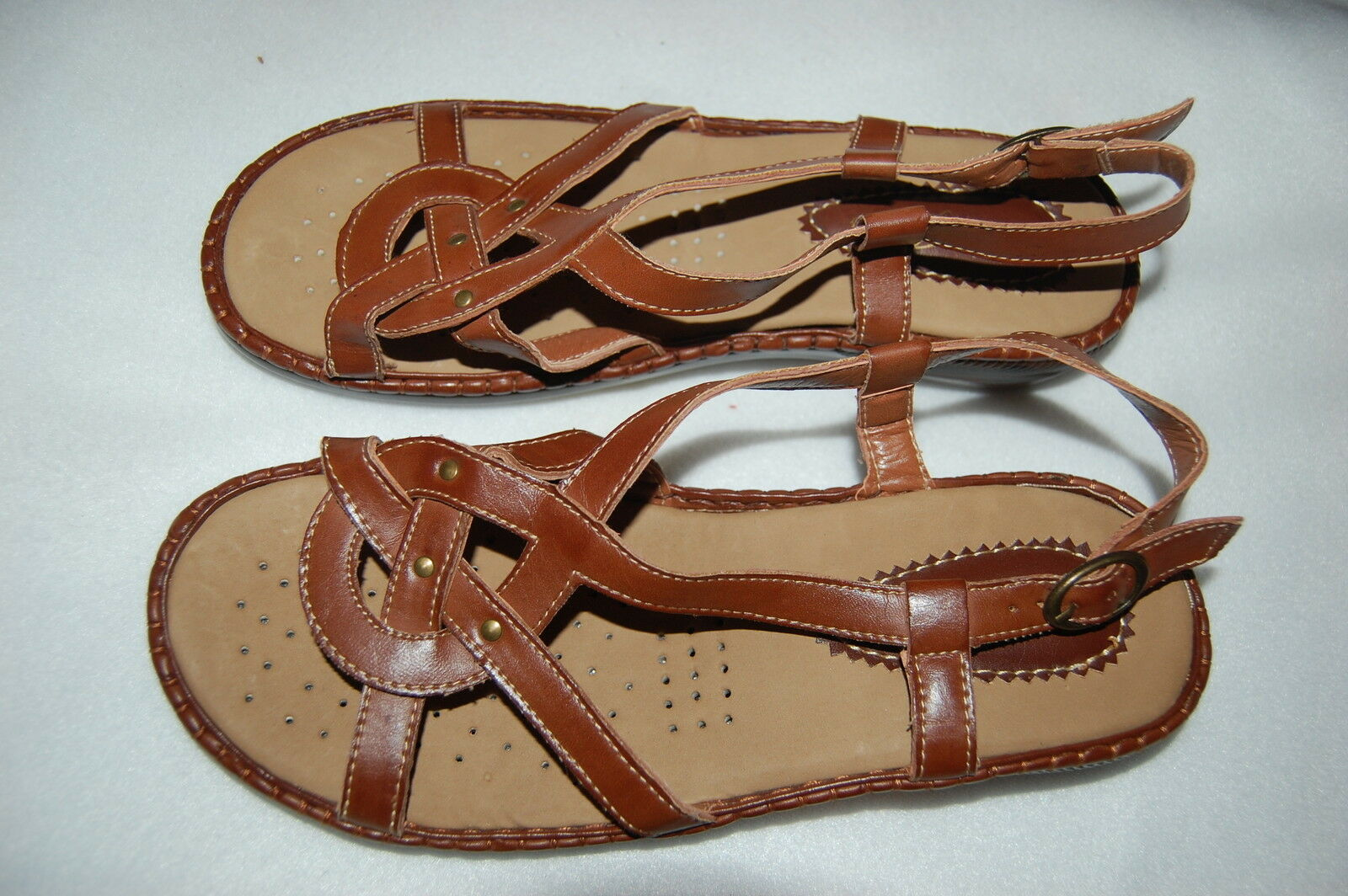 Cocomo Soul Softball Stitch FLAT Leather Flip Flops Size 6 7 8 9 10 NEW