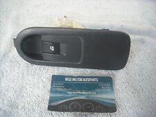 A GENUINE RENAULT SCENIC 2 2004-2008 FRONT PASSENGER DOOR ELECTRIC WINDOW SWITCH