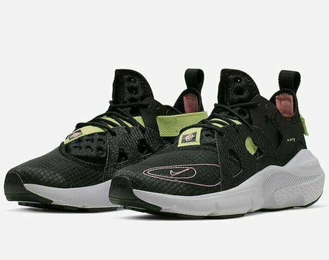 Size 10.5 - Nike Huarache Type Black 2019