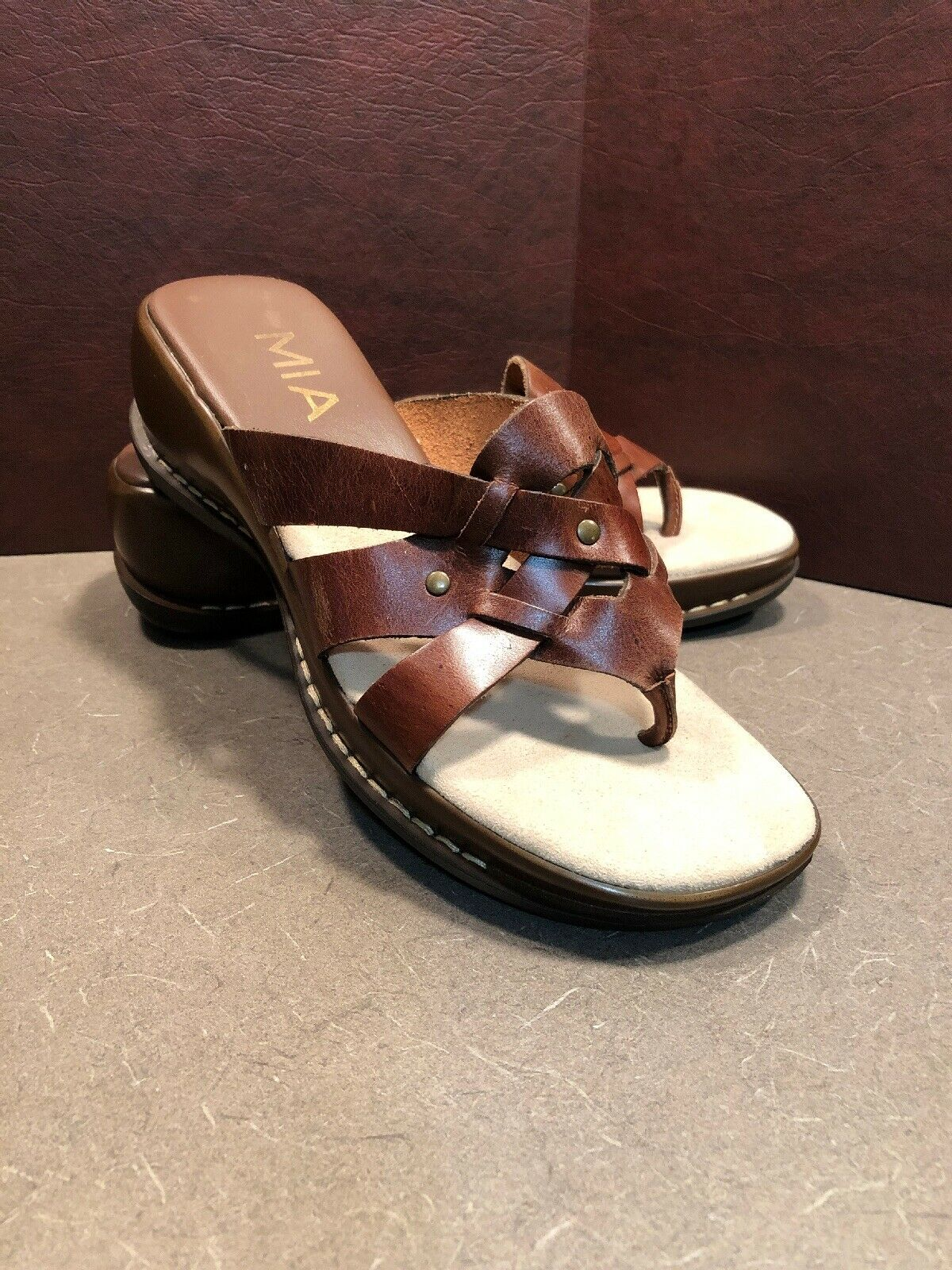 MIA Brown Leather Platform Thong Wedge Heel Slides Sz 9 Casual Comfort