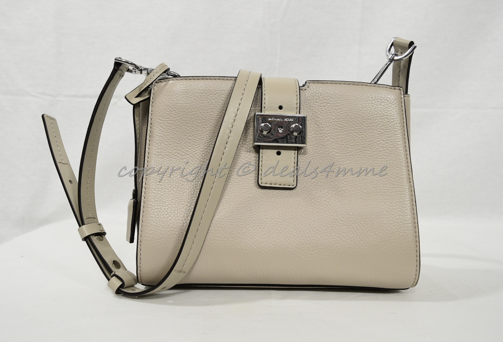 e640b98aef1d Michael Kors Bond Medium Leather Messenger Bag 30s7sb6m2l for sale ...