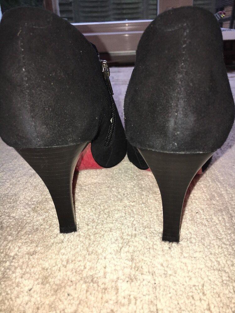 Carmen Schuhes Stiefeletten mit der Roten Sole Gr. 40 Schwarz NEU NP