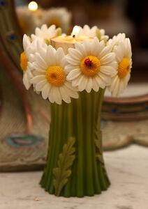 YANKEE CANDLE TEA LIGHT  HOLDER  DAISY YELLOW WHITE BASKET FLOWER SPRING