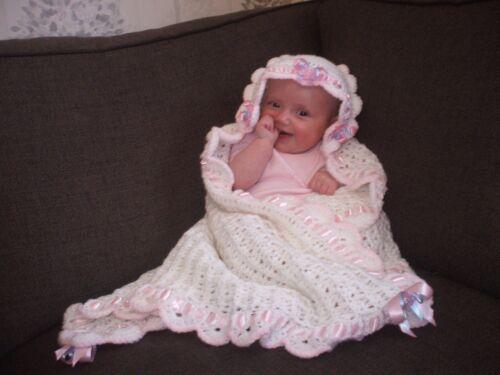 BABY BLANKET CROCHET PATTERN GIRL.SECRET HOOD.. CHRISTENING SHAWL,AFGHAN,.DK