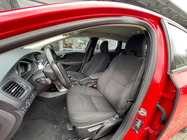 Volvo V40 1,6 D2 115 Kinetic Drive-E - billede 5